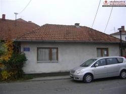 Prizemna kuća na mirnoj lokaciji