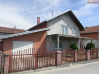 Na prodaju kuća na sprat 67m2!