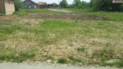 Na prodaju zemljište površine 1633m2