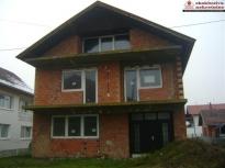 Nezavršena kuća na spart površine 134m2!