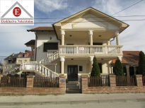 Luksuzna kuća na ekstra lokaciji, u osnovi površine 99m2