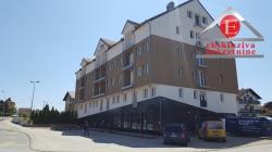 Poslovni prostori u novoj gradnji na glavnom putu Brčko-Bijeljina.
