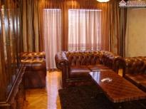 Luksuzno opremljen stan u centru grada ID: 760/ZR