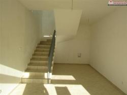Poslovni prostor u dvije etaže i okućnica