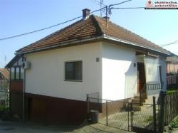 Prizemna kuća na atraktivnoj lokaciji
